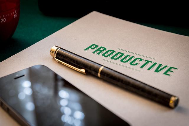 Для повышения продуктивности откладывайте на потом мелкие задачи, качество выполнение которых не имеет значения. Источник
