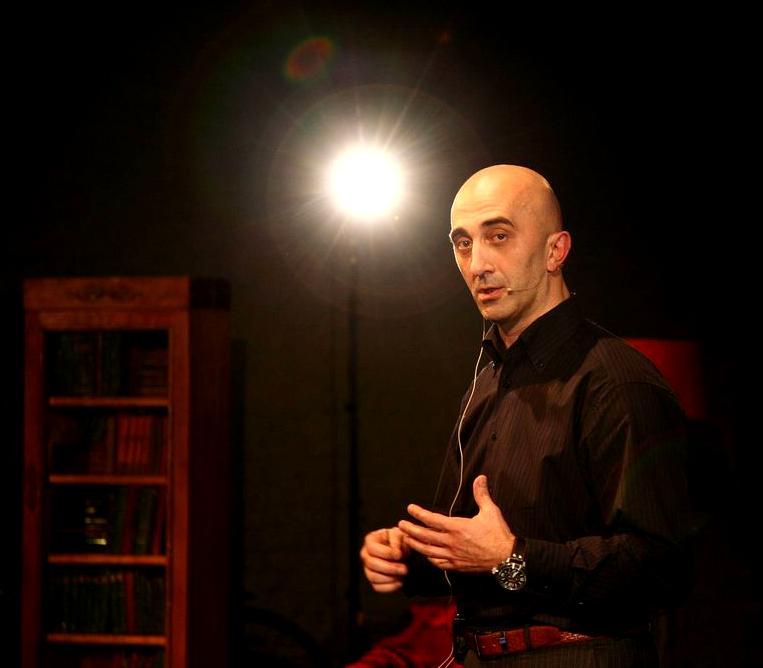 Армен Петросян, издатель «Жить интересно!».
