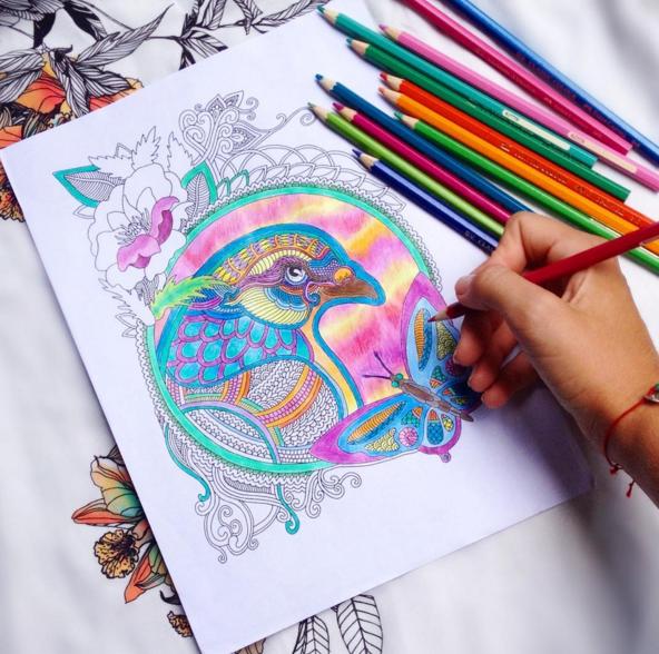 В нашем творческом Инстаграме можно найти сотни рисунков читателей. Попробуйте и вы!