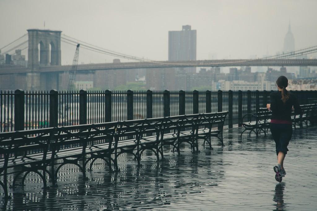 Хорошо подумайте, зачем вам нужна марафонская дистанция прямо сейчас, если у вас нет большого опыта спокойного бега и полумарафона за плечами.