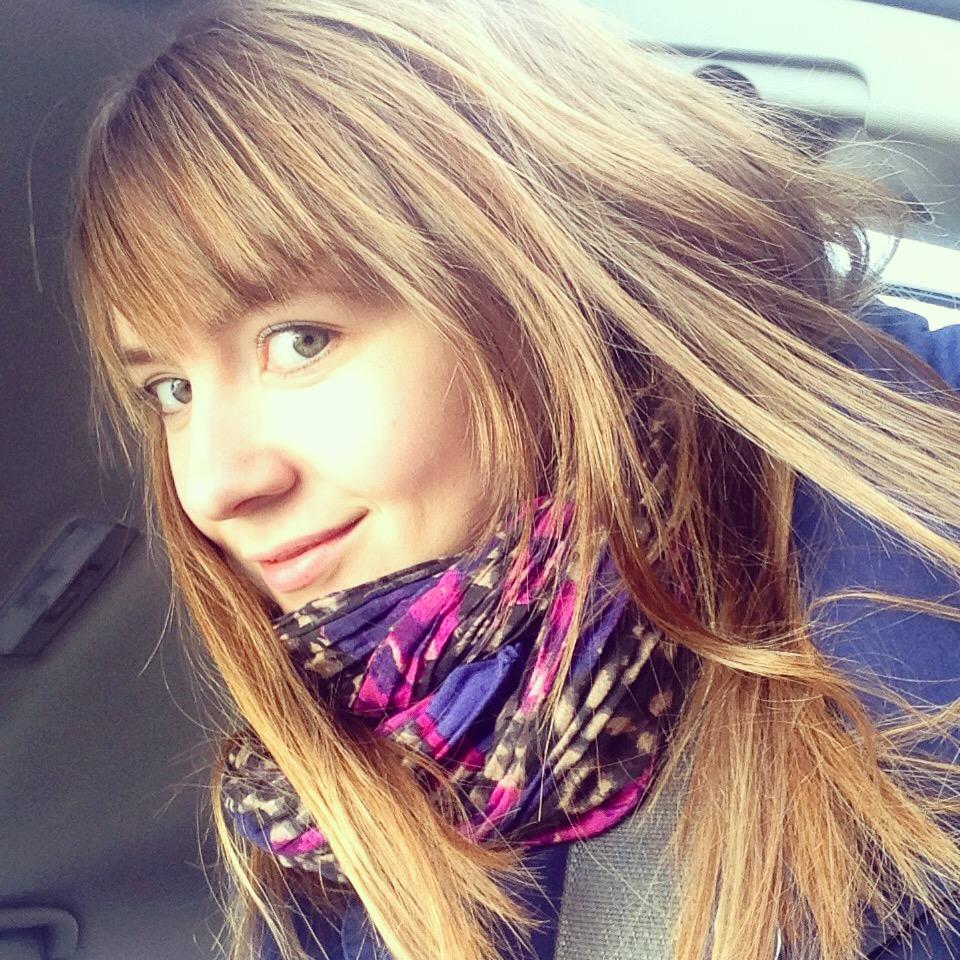 Аня - блогер