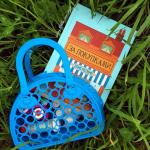«За покупками» — красивая книга с клапанами и винтажными иллюстрациями