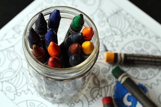 crayons-1445057_640