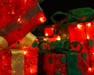 red-christmas-presents