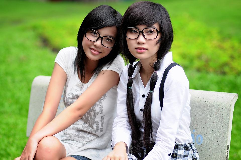 girl-1741925_960_720