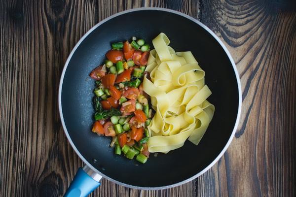 Основа здоровой диет — цельные растительные продукты.