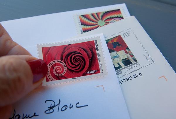 Общайтесь с клиентом ежедневно. Не стоит полагаться на редкие письма.
