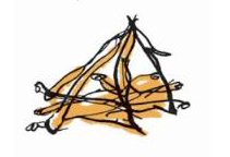 Костер топят сухими ветками