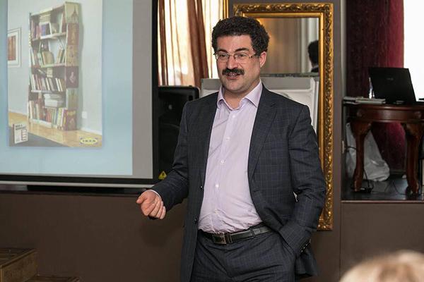 Аркадий Цукер