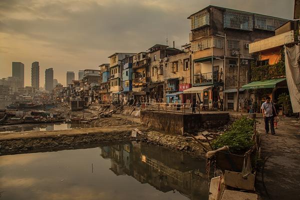 Что если разрыв между богатыми и бедными увеличится настолько, что это начнет тормозить экономический рост?