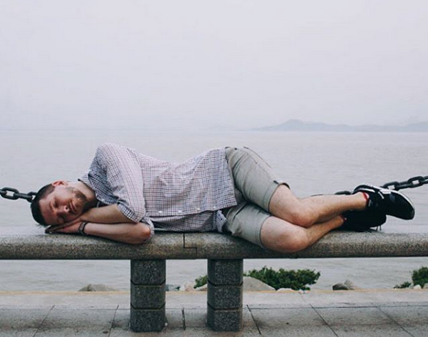 Сергей Капличный спит днем, где придется. Фото из личного архива