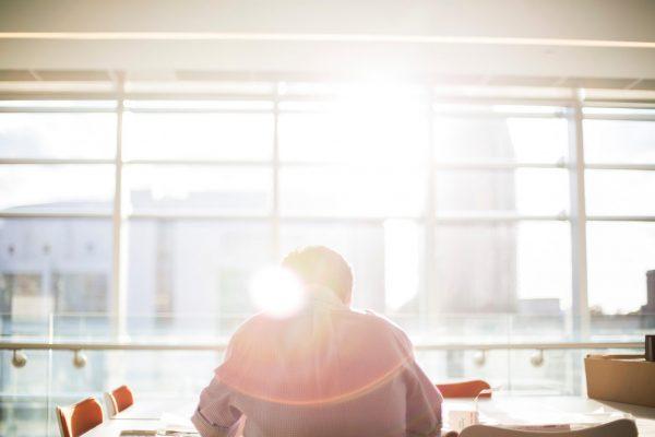 Снять стресс поможет несколько минут спокойного, вдумчивого чтения