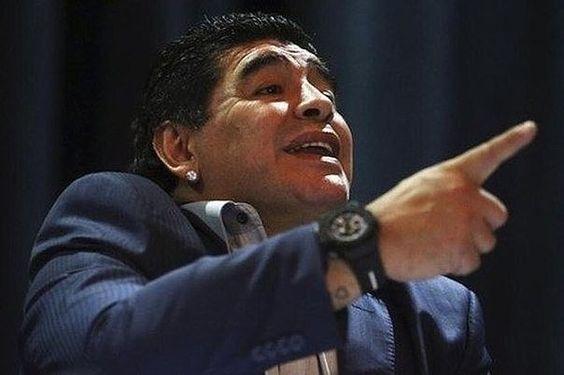 Диего Марадона, даже закончив карьеру футболиста, по-прежнему популярен.