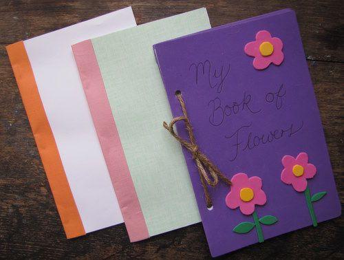 Самодельные книжки делать легко: нужны листы, дырокол и лента (или шпагат).
