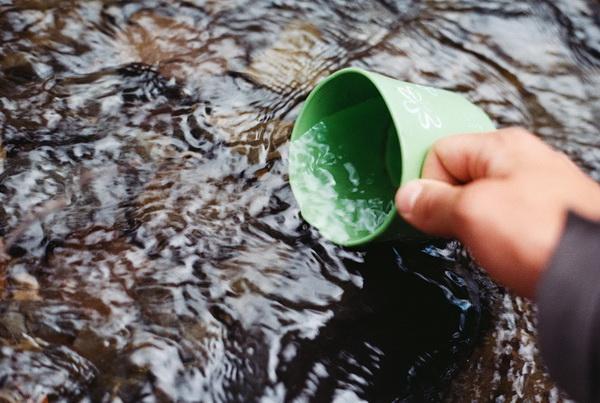 Чтобы видеть мир, вы должны быть пусты, как чашка.