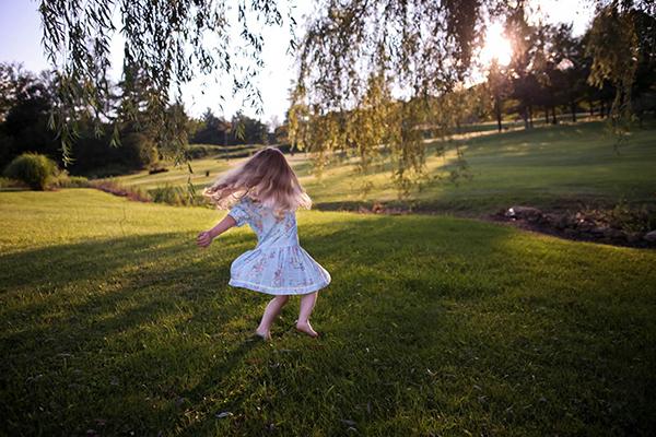Игра в неподготовленных условиях учит ребенка осторожности.