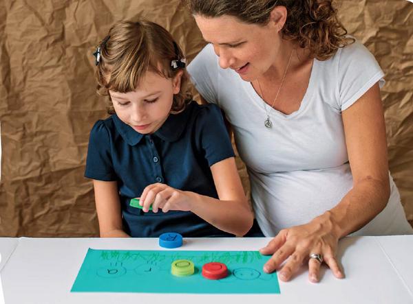 Учимся играя: буквы, кубики и монстры из пластилина