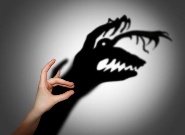 Теперь рядом с каждым страхом пропишите один метод, как уменьшить его влияние. Либо просто зачеркните, если хотите. Разберитесь с каждым страхом до конца.