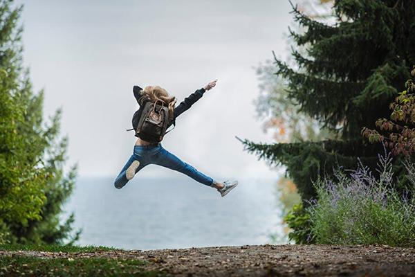 У каждого человека есть собственная цель в жизни, которая вызывает у него улыбку и приятный внутренний трепет. Чем скорее вы ее сформулируете, тем скорее начнете двигаться на пути к ней.
