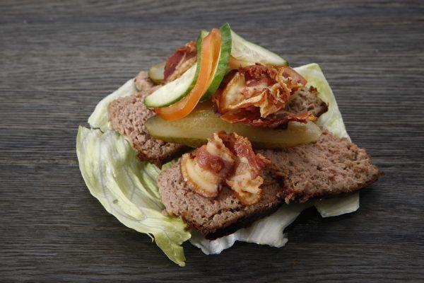 От бутербродов с паштетом лучше отказаться на время беременности