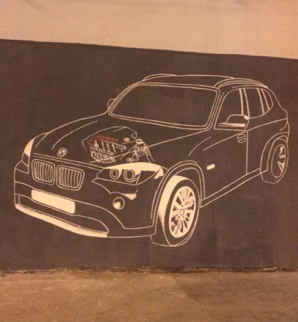 Наши люди начали рисовать граффити на стенах, например, BMW, потому что мы производим трубы, которые под капотом машины этой марки.