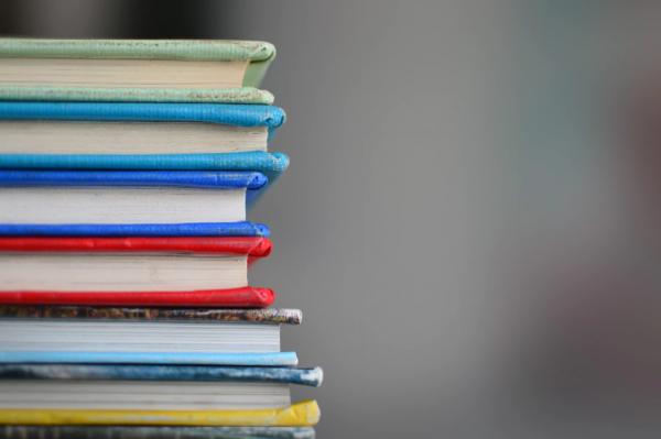 Только не застряньте в статусе «вечного студента». Мало просто читать и получать знания. Без применения они бесполезны.