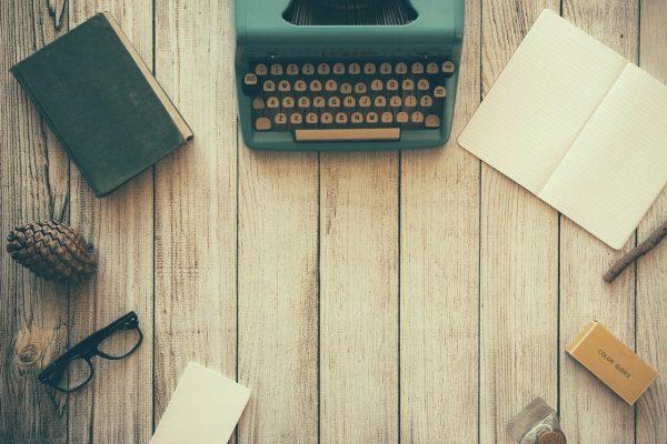 Если не знаете, с чего начать, используйте задания из книги «642 идеи, о чем написать».