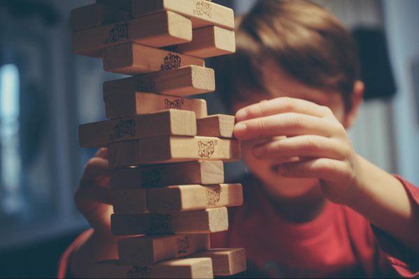 Установка на обучение заставляет нас снова и снова искать решение, а не предаваться разрушающим мыслям