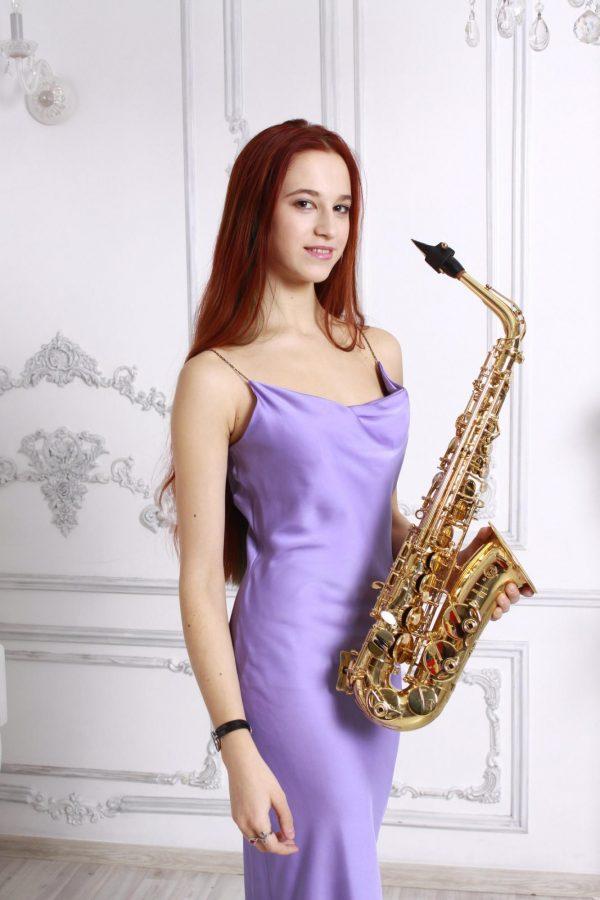 Лиса и ее обожаемый саксофон