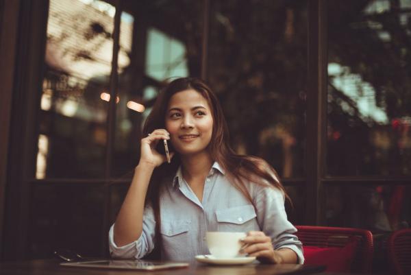 Интроверты нередко владеют значительными навыками в светском общении и проведении деловых встреч.