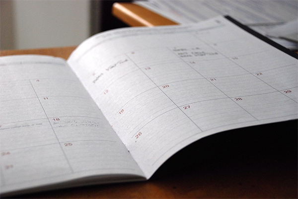 Заранее пишите вместе с ребенком план на день