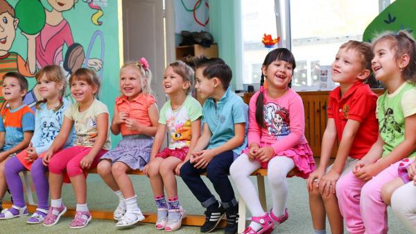 Пусть ребенку будет максимально комфортно и никакие наряды не отвлекают его от происходящего на сцене.