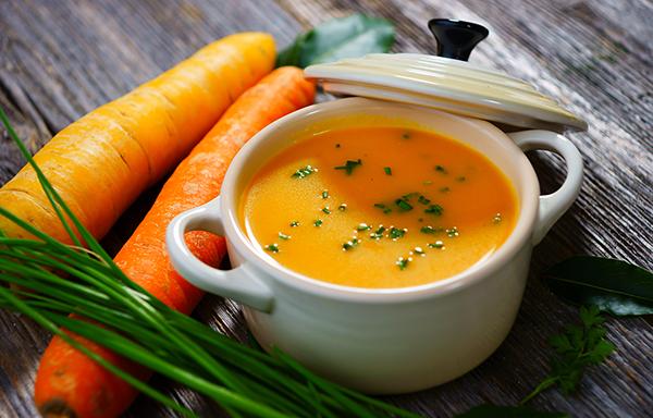 Лёгкий суп из моркови с имбирем