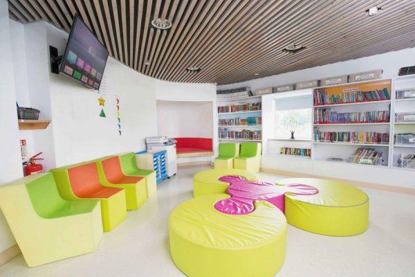 Учебное пространство в финских школах выглядит тоже довольно непривычно.