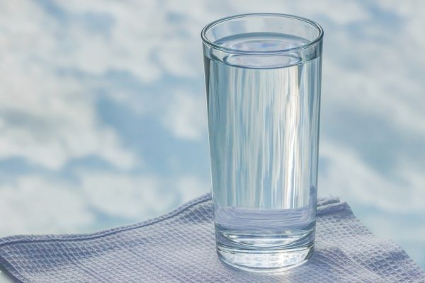 Вода, а не кофе — напиток для пробуждения