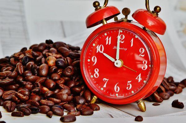 Если ваш будильник будет стоять далеко от кровати, тогда вам точно не понадобится второй