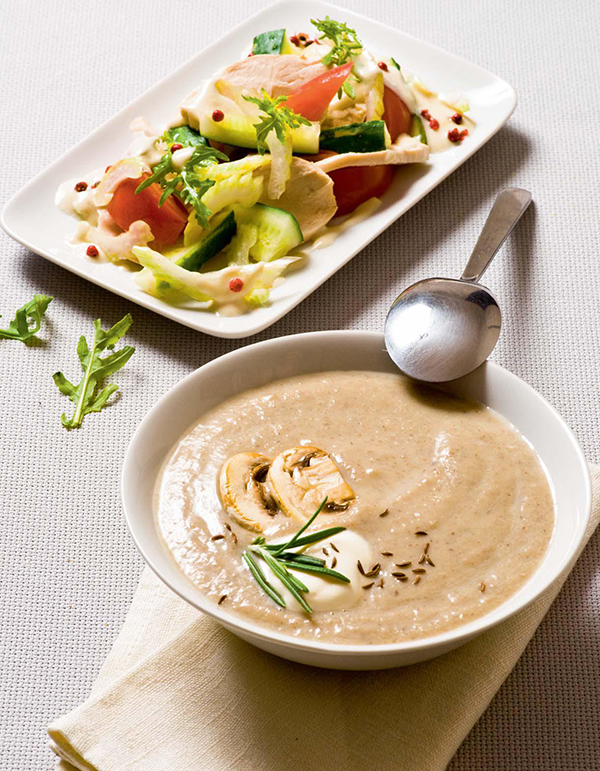 Нежирные сливки придают супу приятный сливочный вкус, не утяжеляя его.