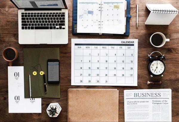 Используя представленные инструменты, участники команды могут просматривать задачи, договариваться о виртуальных встречах и следить за развитием проекта.