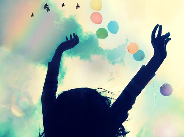 Мы свято верим, что обретем радость и безмятежность, когда добьемся успеха или решим текущие проблемы.
