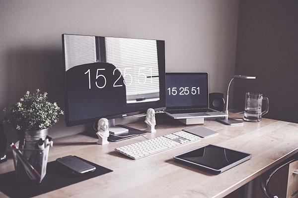 Тридцать лет спустя бывший глава Microsoft Стив Балмер сказал в интервью изданию USA Today, что «нет ни единого шанса, что айфоны смогут завоевать хоть сколько-нибудь существенную долю рынка».