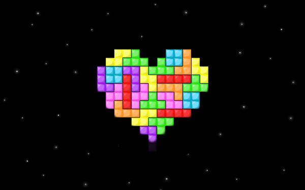 Помните Tetris? Вы складываете падающие фрагменты так, чтобы между ними оставалось меньше пустоты. Темп становится все быстрее, и рано или поздно вы совершаете ошибку. То есть гарантированно проигрываете. Так почему это нравится?