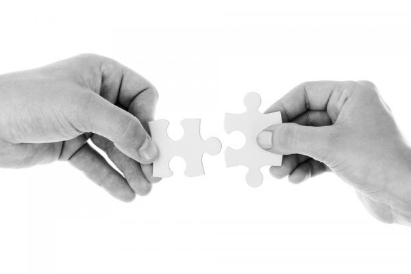 Традиционное сотрудничество выглядит как распланированная деловая встреча.