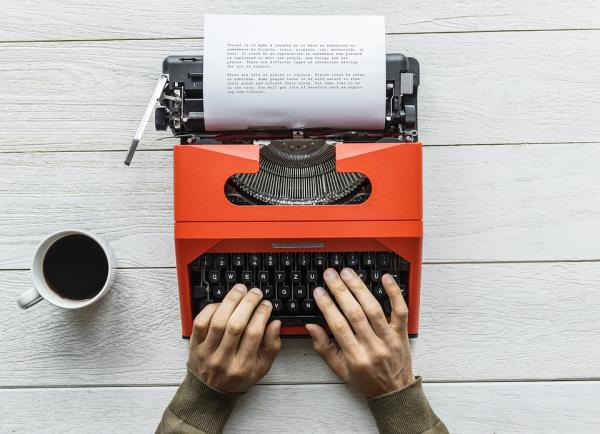 Прислушаемся к мнению американского писателя Элмора Леонарда, произведения которого отличались, в числе прочего, энергичными диалогами.