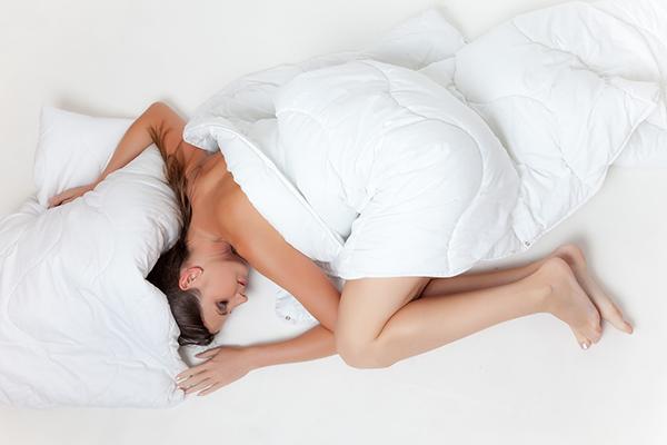 Самый простой способ восстановить силы — поспать.