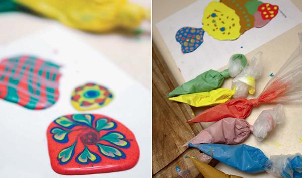 Заполнить весь рисунок краской разного цвета и с помощью зубочистки смешивать в хаотичном порядке.
