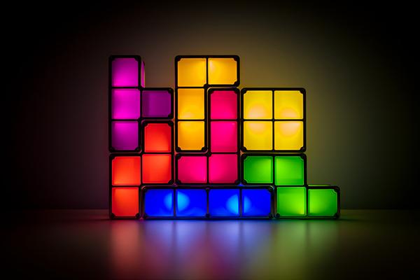В 2009–2010 годах психиатры из Оксфордского университета провели два исследования, которые показали, что игра в Tetris в первые шесть часов после просмотра травмирующих видеоизображений помогает снизить объем воспоминаний о негативном событии.