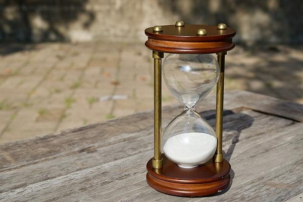 Да, у всего есть свои пределы — трудно написать статью за семь минут, но, если вы раньше тратили на подготовку оной два часа, попробуйте поставить таймер на час — почти наверняка вы справитесь с задачей.