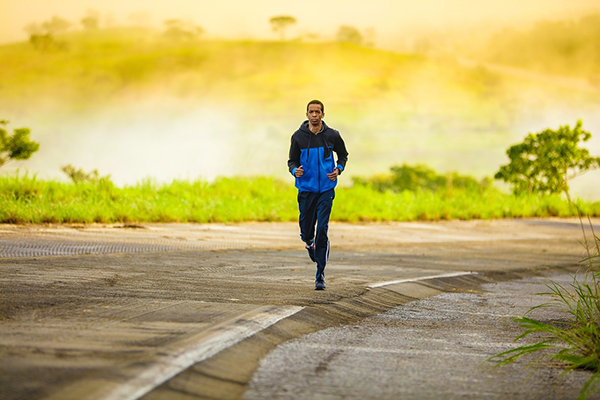 В последние годы врачи стали рекомендовать аэробные упражнения больным раком, стараясь повысить их иммунную реакцию, а также помочь побороть стресс и депрессии.
