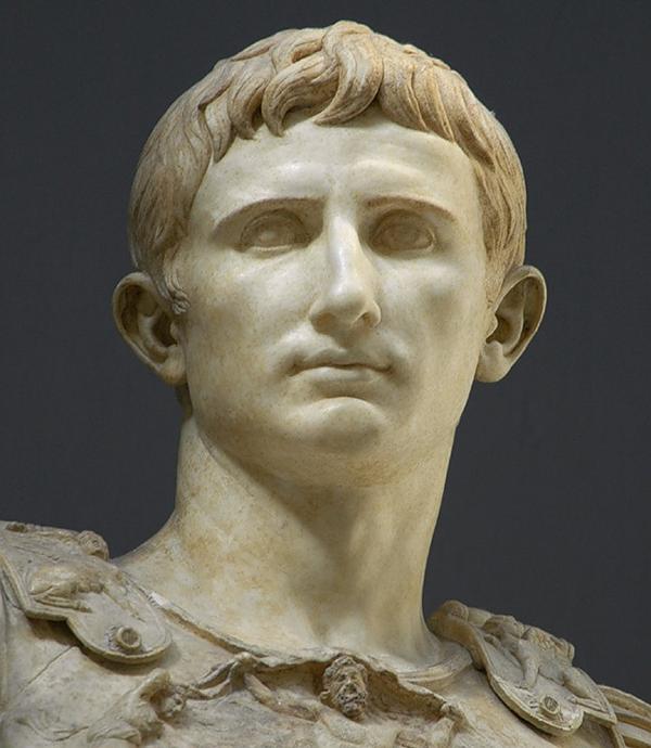 За несколько веков до селфи: Август и его оттопыренные уши