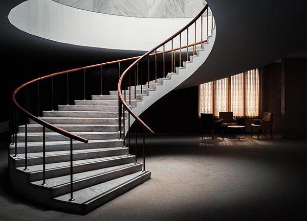 Поднимайтесь по лестнице выше и увидите больше вариантов решений из других областей.